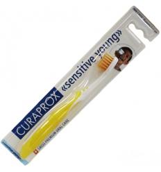 Curaprox spazzolino sensitive young