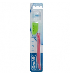 Oral B spazzolino 123 indicator 35 medio