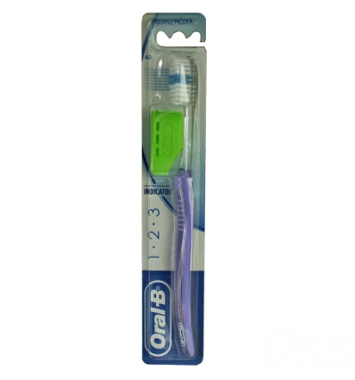 Oral B spazzolino 123 indicator 40 medio